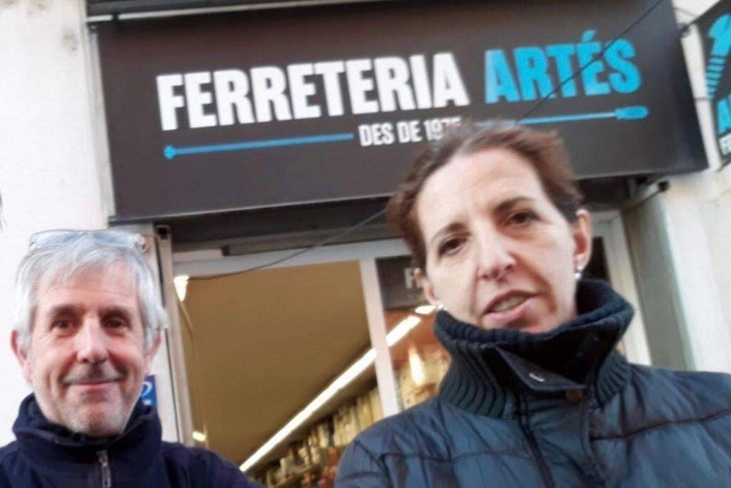 En Joan Artés i la seva dona, Dolors Coma, a la Ferreteria Artés